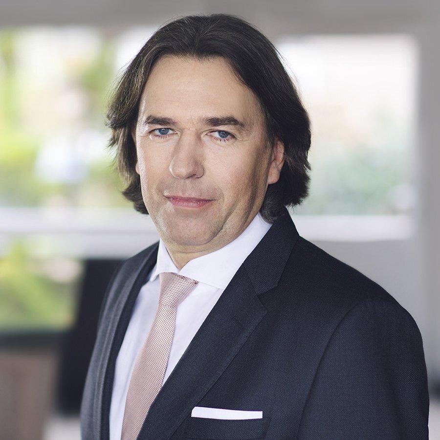 Radca prawny, zaufany prawnik Ambasady Republiki Austrii w Warszawie, Konsul Honorowy Republiki Austrii w Gdańsku